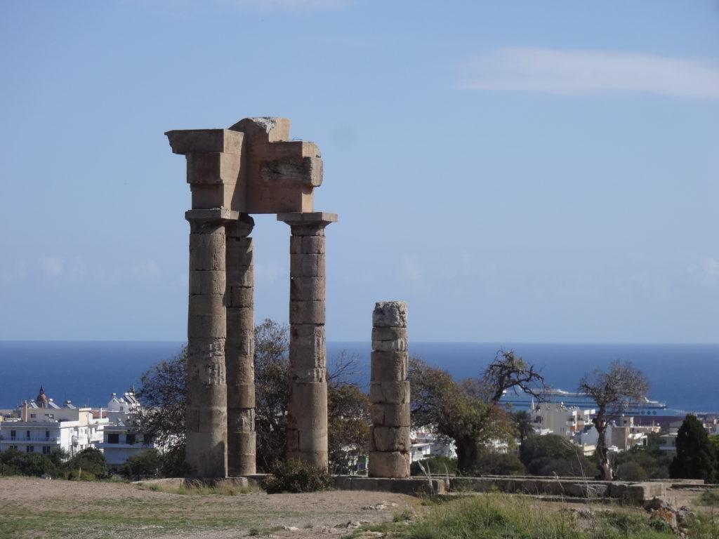 L'acropole de Rhodes sur la colline d'Agios Stéphanos